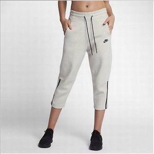 Women's Nike Sportswear Tech Fleece Pants